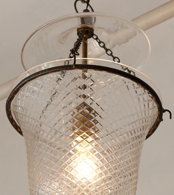 コロニアルスタイルガラスハンギングランプ